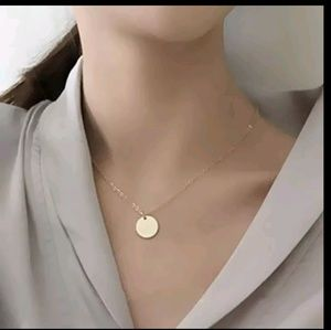 Jewelry - Cute Simple Pendal necklace golden color